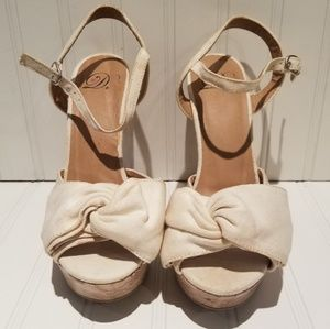 """D"" brand Cork Wedge Open Toe Sandal - size 9"